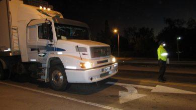 Photo of Castex: camionero llevaba escondido a su sobrino  en la cucheta