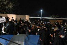Photo of Vecinos de Lázaro Báez impidieron que ingrese al country