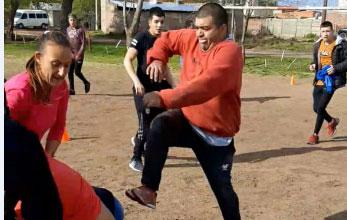 Photo of VIDEO: a las trompadas en Santa Rosa por un espacio público