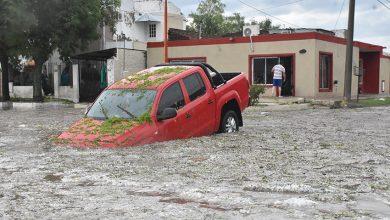 Photo of Colapsó Santa Rosa: evacuados, calles cortadas y autos arrastrados