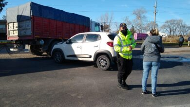 Photo of Una mujer castense chocó contra un camión en cercanías de Pico